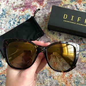 6ff06668087 Diff Eyewear Accessories - Diff Eyewear Christina El Moussa